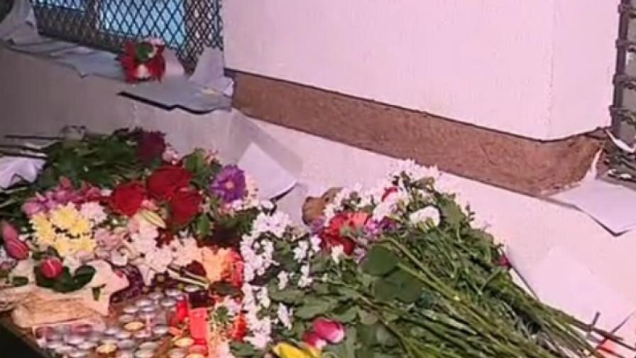 С цветя почетоха паметта на починалото дете от 52-ро СОУ