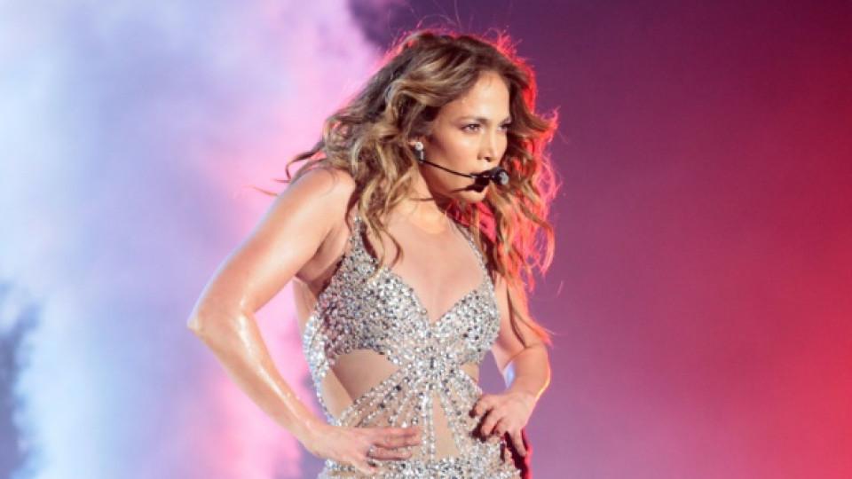 """Дженифър Лопес по време на концерта ѝ в """"Арена Армеец"""""""