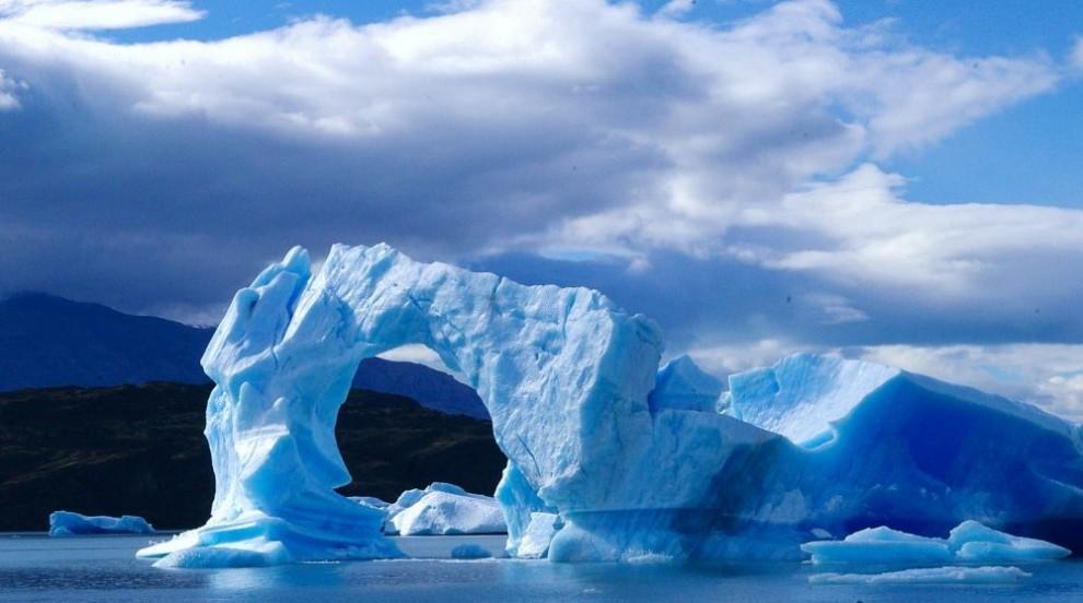 Огън и лед: Откриха езеро от лава на остров в Антарктика