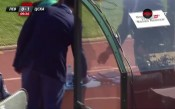 Фенове удариха с камък футболист на ЦСКА