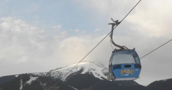 Опашки за лифта в Банско, съобщава Сега на скиорите се