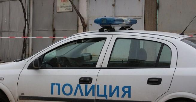 Снимка: Трима мъже нападнаха 65-годишен мъж в дома му