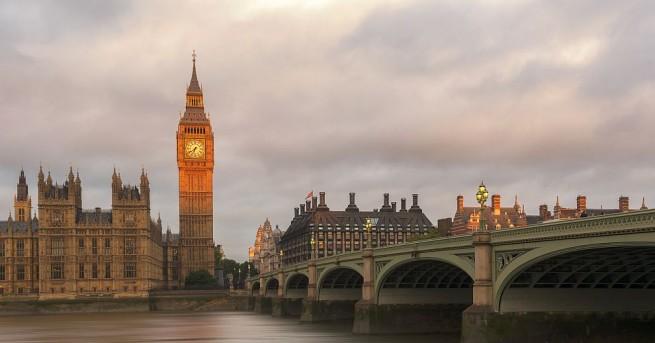 Министър-председателката на Великобритания Тереза Мей нареди провеждането на разследване срещу