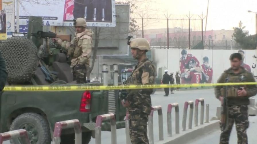 Дегизирани като лекари убиха поне 50 души в Кабул