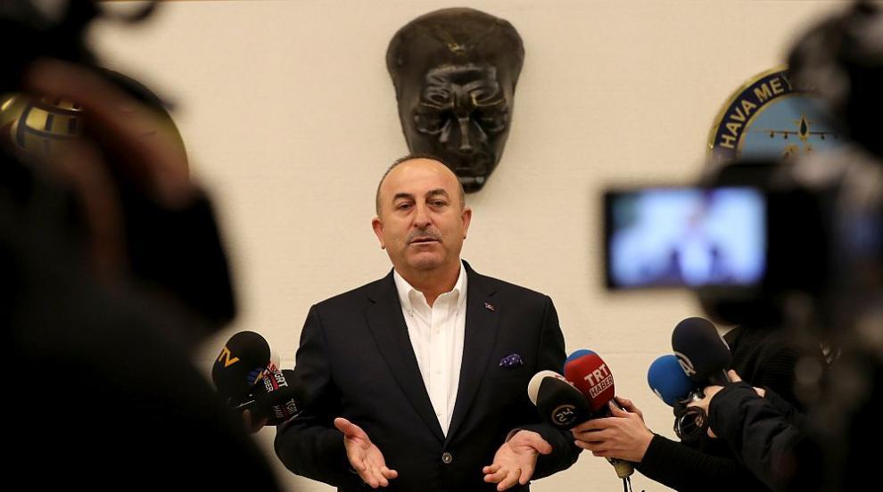 Турският външен министър призова Русия да спре атаките на сирийския режим