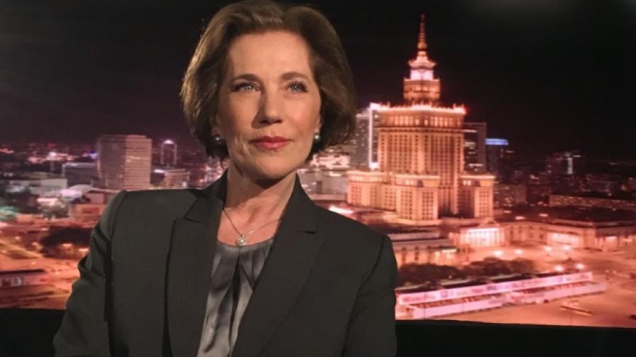 <p>Поптодорова: Да се отърсим от атавистичния страх&nbsp;от Русия</p>
