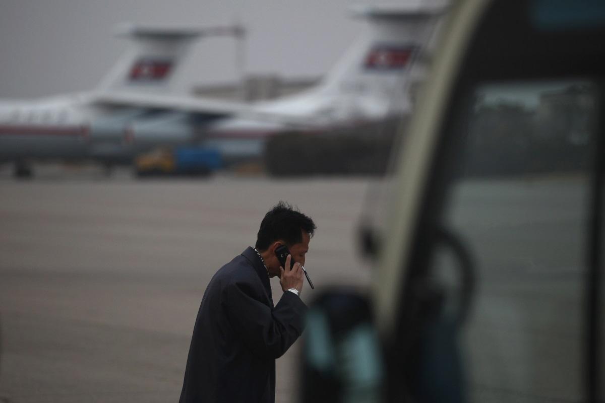 Обаждане в чужда страна - обаждане в чужбина може да ви струва живота в КНДР. През 2013 г. севернокореец е бил разстрелян, след провеждане на разговор с приятел от Южна Корея.
