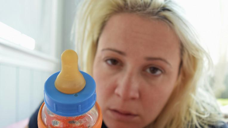 жена бебе депресия