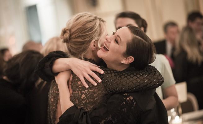 Френската актриса Марион Котияр роди момиче и още...