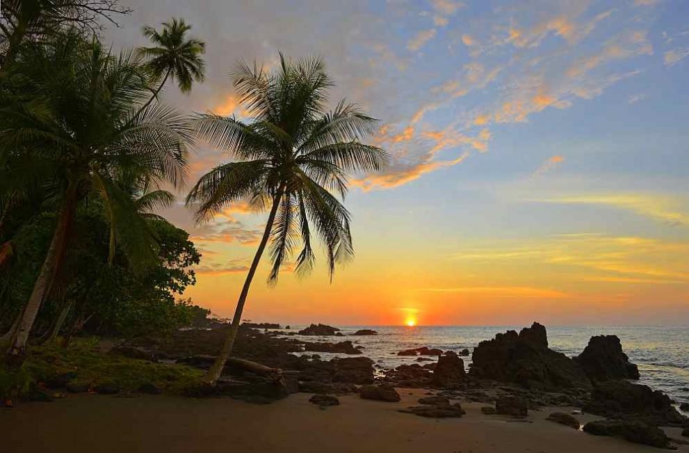 Залез на плаж в Коста Рика