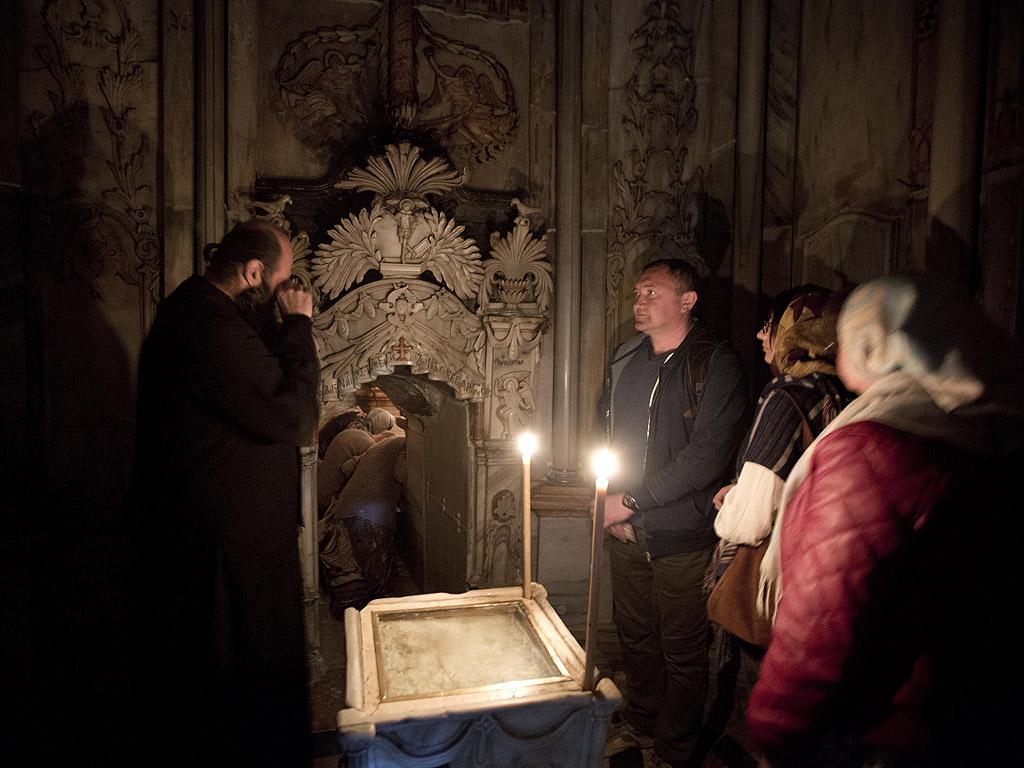 Реставрацията беше одобрена от йерусалимската, арменската и римокатолическата църква и е осъществена от специалисти от университета в Атина.