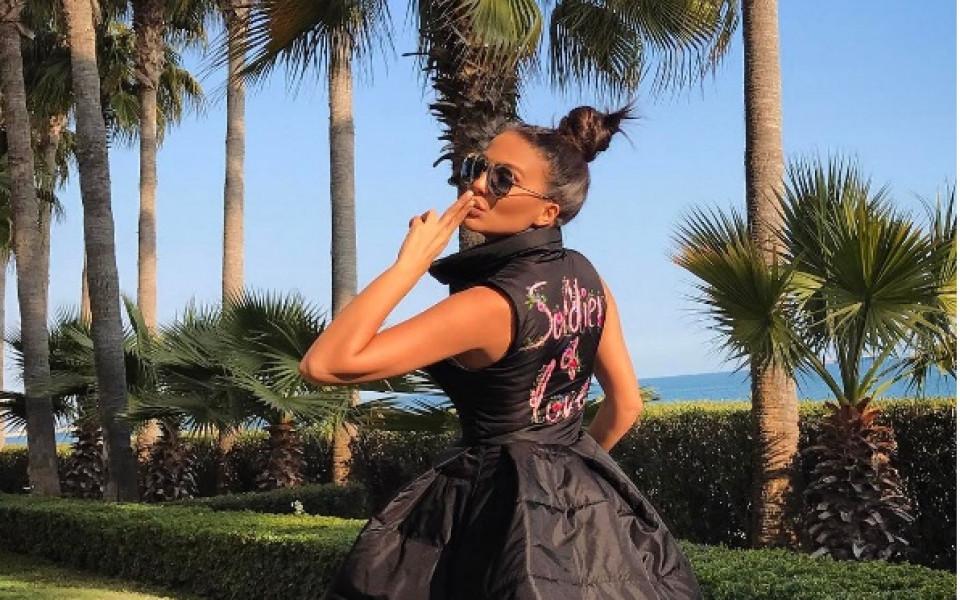 Николета Лозанова тества вратарските умения на Ники Михайлов