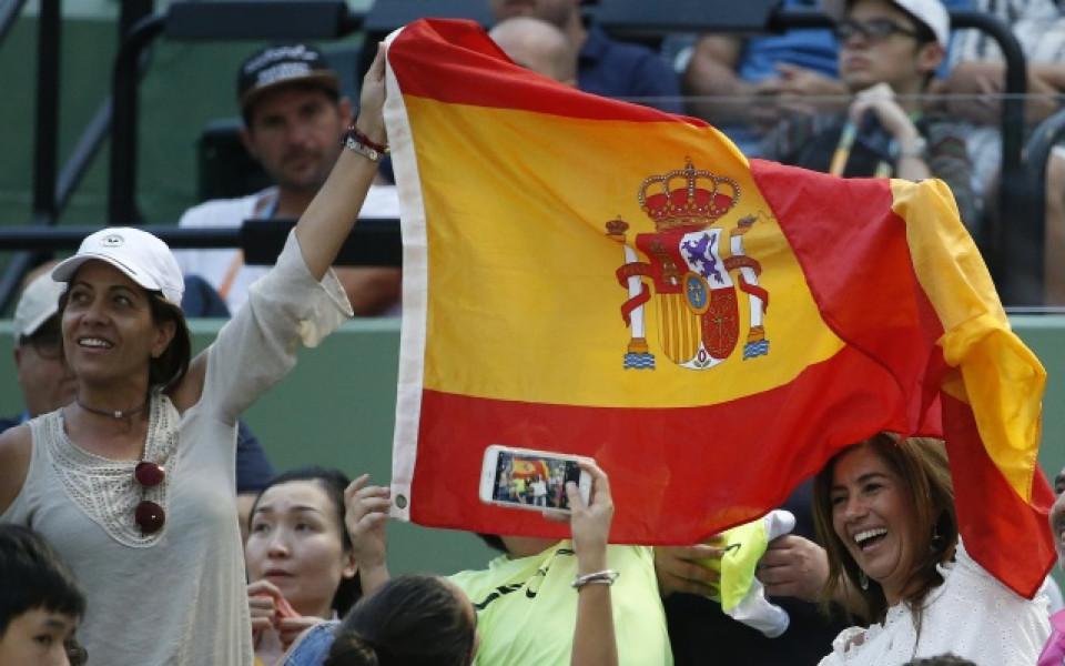 фенки на Рафаел Надал си правят снимка по време на тенис турнира в Маями