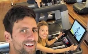 Джокович тренира с бременната си съпруга