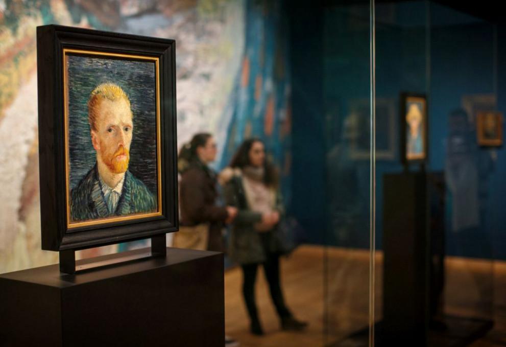 Върнаха в Холандия откраднати картини на Ван Гог - Любопитно ...