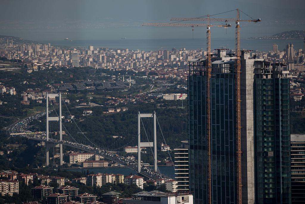 Индустрията на Турция се развива с бързи темпове. Компании като BEKO и Vestel са сред най-големите производители на бяла и черна техника в Европа. Автомобилостроенето също е добре развито. Много световни марки имат заводи в страната - Toyota, Ford, Honda, Opel, Hyundai, Mercedes-Benz, MAN AG и др. Турските компании като TEMSA, Otokar и BMC са световни лидери в производството на автобуси и камиони. Турция е също и един от водещите корабостроители в света. Страната е производител и на самолети F-16 по американски лиценз в заводите на TAI. Селското стопанство и производството на храни също са много добре развити, като голяма част от продукцията се изнася. Същото важи и текстилната индустрия. Турция е и сред най-посещаваните туристически дестинации.