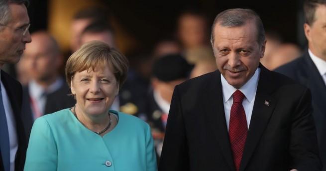 Турският президент Реджеп Тайип Ердоган и германската канцлерка Ангела Меркел