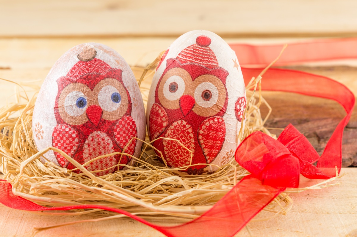 <ol>  <li>3. Този, чието яйце остане здраво след боренето с яйца, ще е най-здрав през годината.</li> </ol>