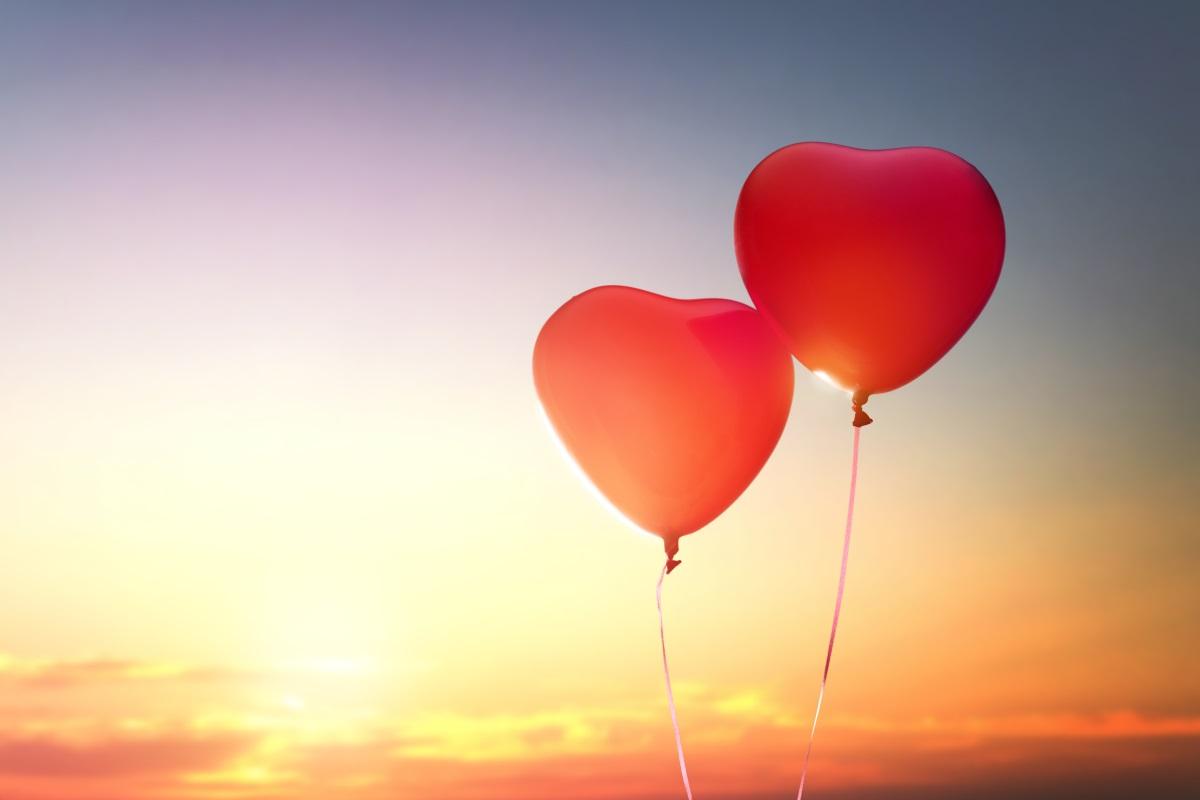 7. Смята се, че на Великден са верни всички любовни поверия. Ако си ударите лакътя някъде, бившият ви любим все още не може да ви забрави и ще направи всичко, за да ви върне.