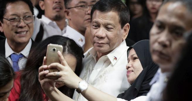 Президентът на Филипините Родриго Дутерте се отметна от решението си