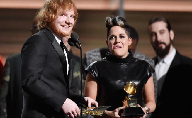 С коя песен Ед Шийрън печели две награди Грами?