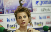 Манекени извеждат грациите по време Световната купа в София