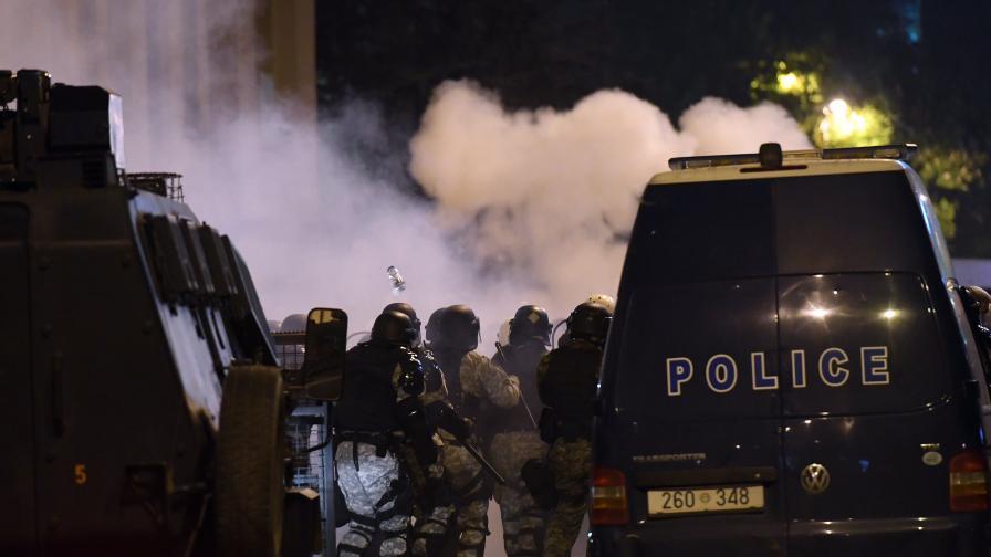 Русия проговори за размириците в Скопие. Заев: Опит за убийство