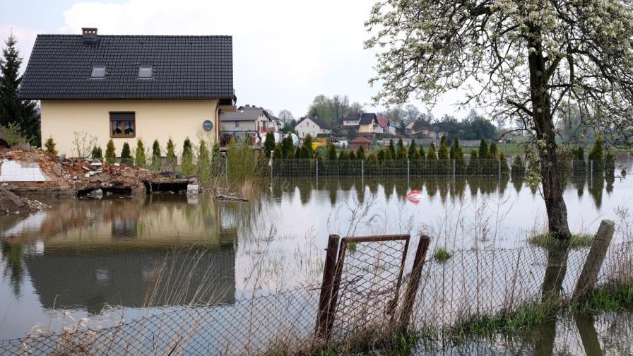 Наводнения в  Словакия, Чехия и Полша, има загинал