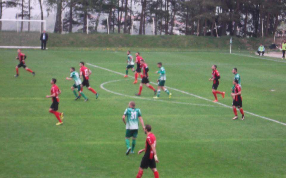 Локо Сф с победа на терена на борещ се за Първа лига