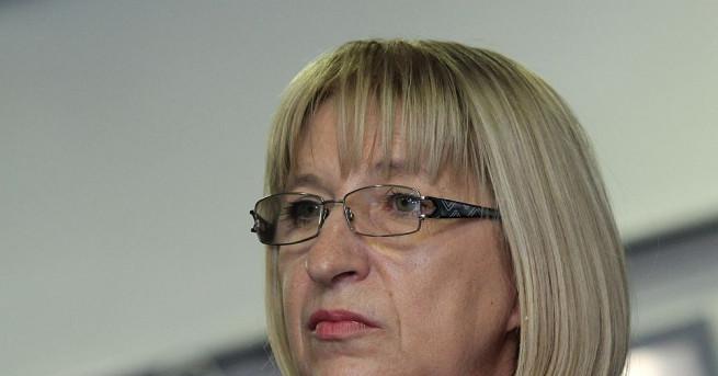 Правосъдният министър Цецка Цачева заяви, че ще подаде оставка, ако
