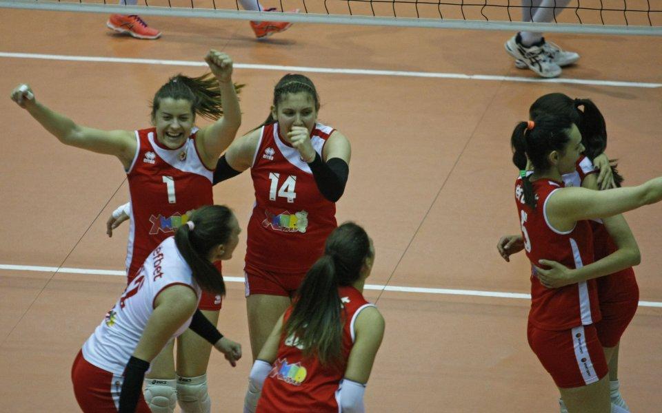 Левски взе волейболното дерби с ЦСКА при жените