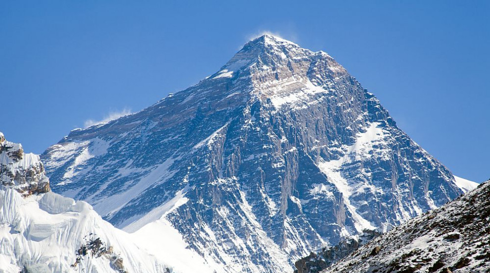 Световен рекорд: Непалски шерп изкачи Еверест 24 пъти (СНИМКИ)