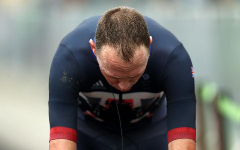 Крис Фрум се пуска в Джирото, независимо, че е разследван
