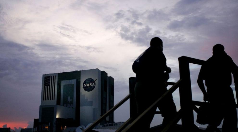 НАСА засне изключително редки облаци в атмосферата (ВИДЕО)