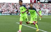 Коутиньо поведе Ливърпул към разгром над Уест Хем