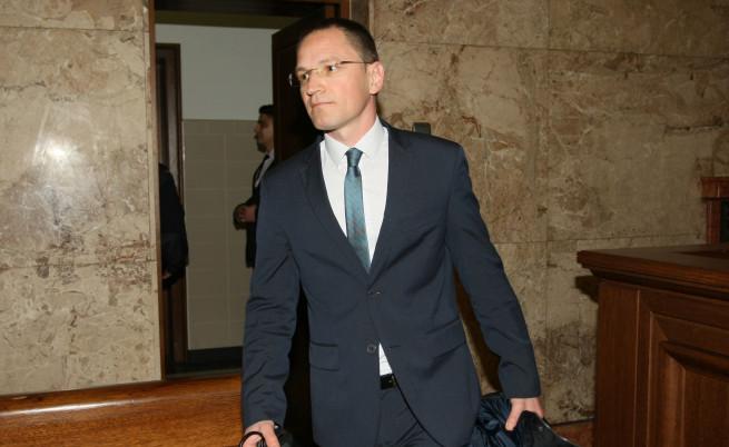 Член на ВСС: Цачева да отстрани Цацаров от длъжност