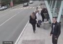 Живко от Бургас: Бабата ме гледаше лошо и я изритах
