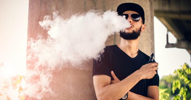 Ароматите в електронните цигари могат да предизвикат сърдечносъдови болести, инсулт