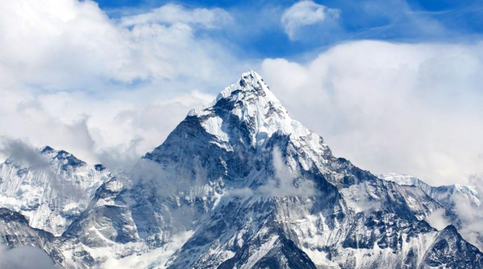 Българин на върха: Слави Несторов изкачи Еверест (СНИМКИ/ВИДЕО)