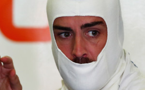 Алонсо остава във Ф1 и през 2018-а