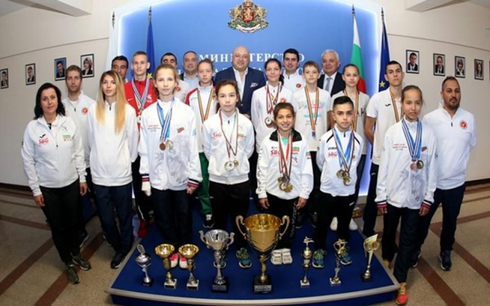 Министър Кралев поздрави медалистите от федерацията по таекуондо WTF