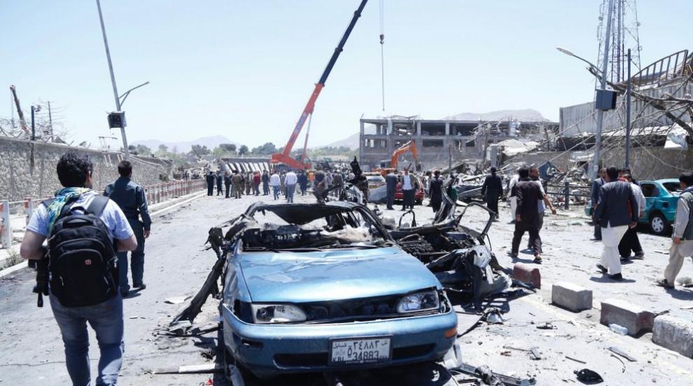 Силна експлозия близо до летището в Кабул, има ранени
