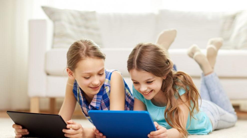 Знаят ли родителите кой дебне децата им в мрежата?
