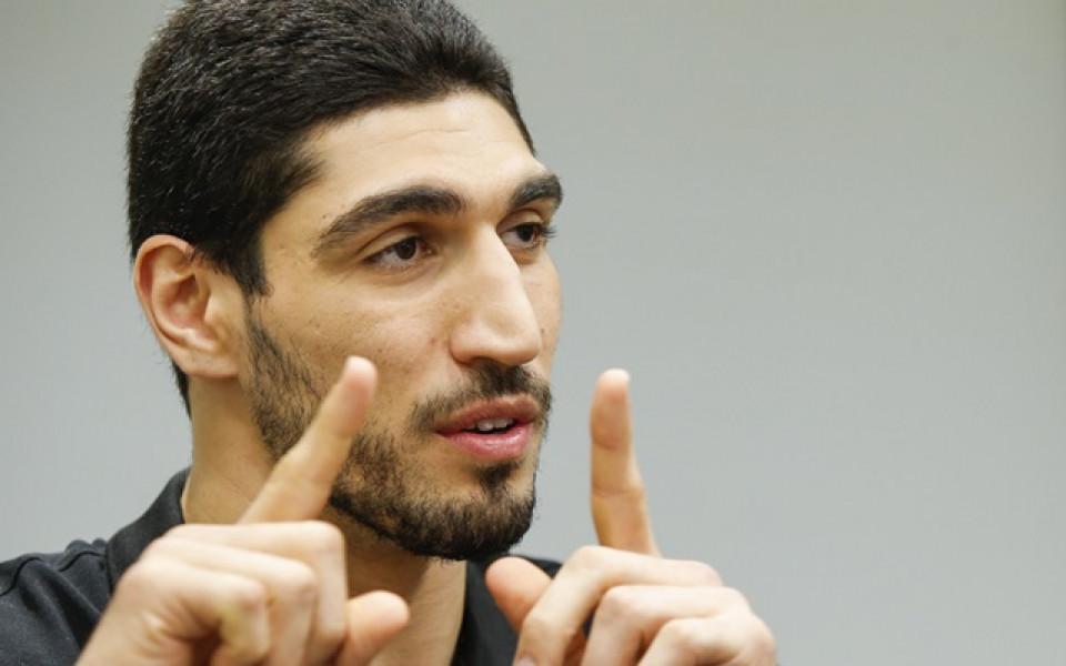 Арестуваха бащата на играч от НБА в Турция заради пристрастия към противник на Ердоган