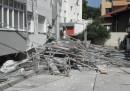 Скеле до 13-етажен блок в Благоевград се срути на тротоара