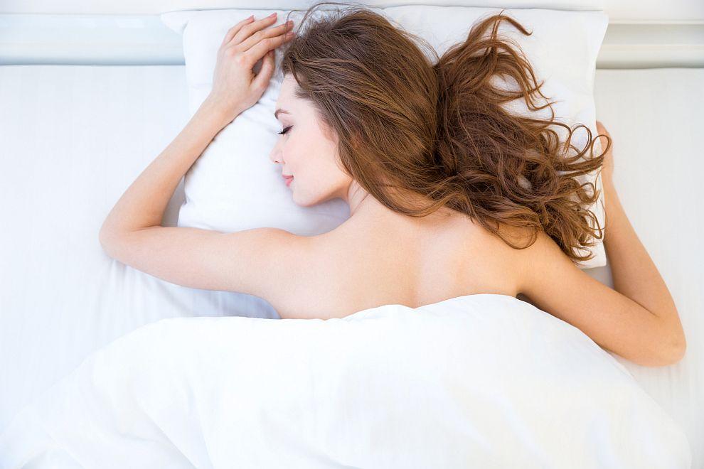 <strong>По корем</strong><br> <br> Спящите по корем често имат усещането, че щастието кръжи около тях, но никога не ги застига. В секса обичат да доминират.