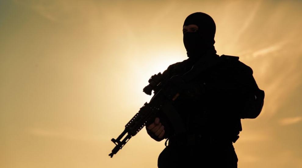 """Франция ликвидира лидера на """"Ал Кайда"""" в Северна..."""