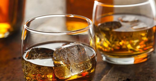 Уиски с вода и водка менте масово ще се сервира