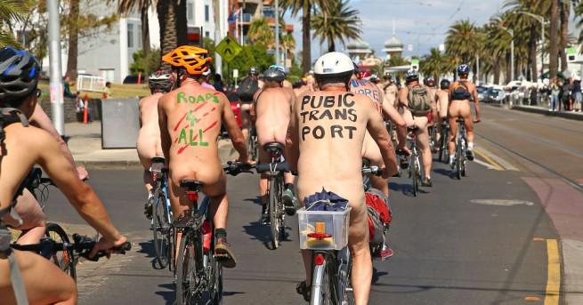 Хиляди голи велосипедисти прекосиха центъра на Мадрид вчера следобед, за