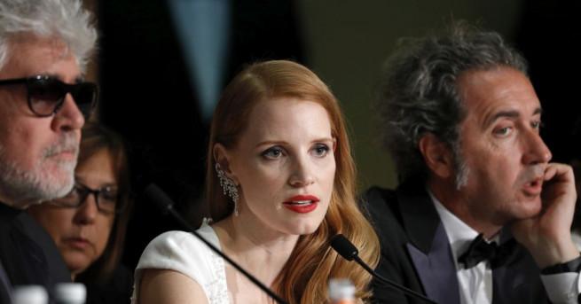 Актрисата от САЩ Джесика Частейн се е омъжила за дългогодишния